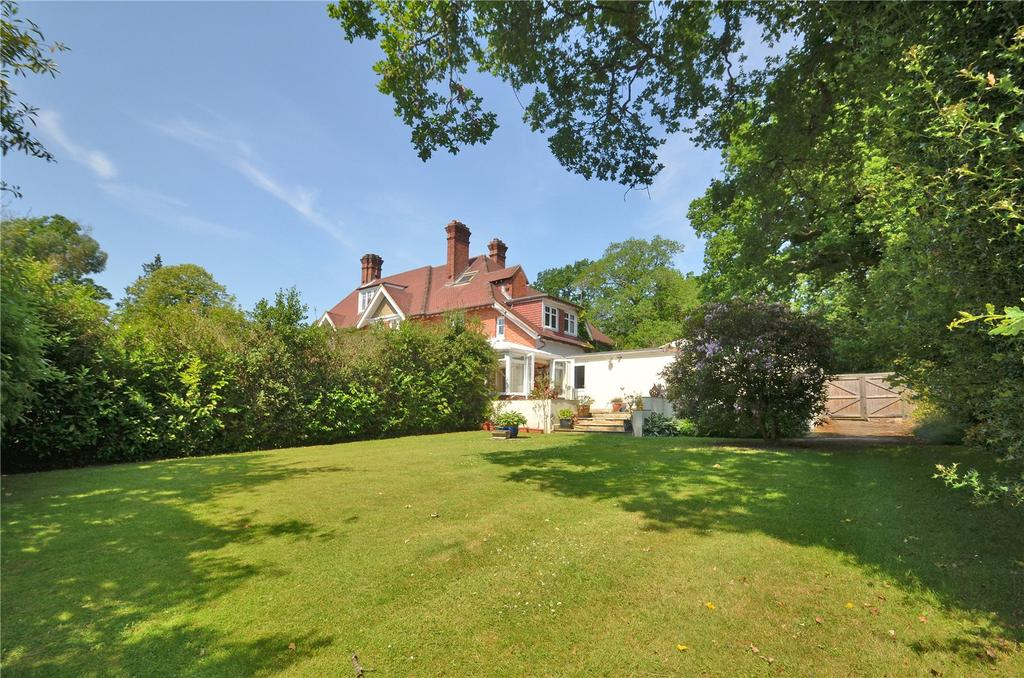 4 Bedrooms Semi Detached House for sale in London Road, Windlesham, Surrey