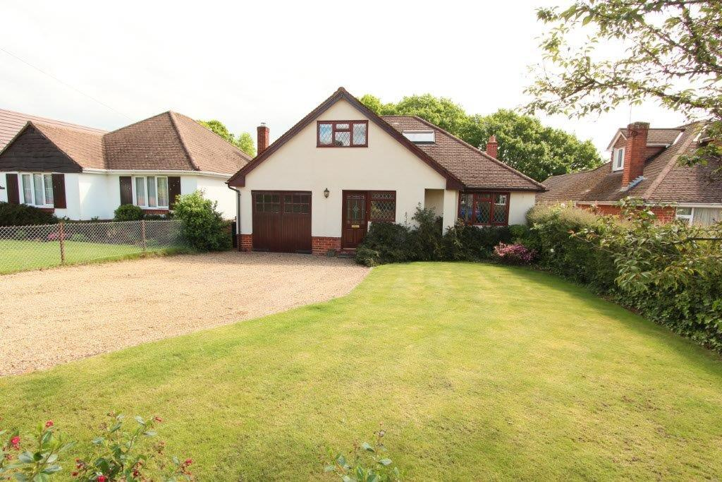 3 Bedrooms Chalet House for sale in Hobb Lane, Hedge End SO30