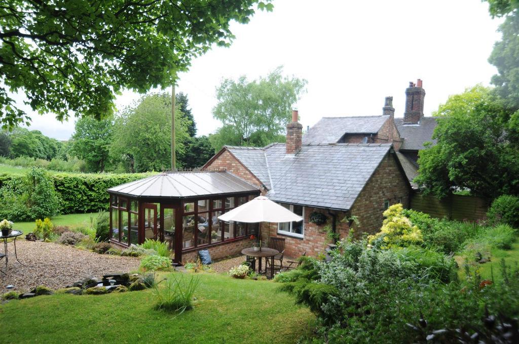 chester road daresbury warrington 3 bed cottage for sale. Black Bedroom Furniture Sets. Home Design Ideas