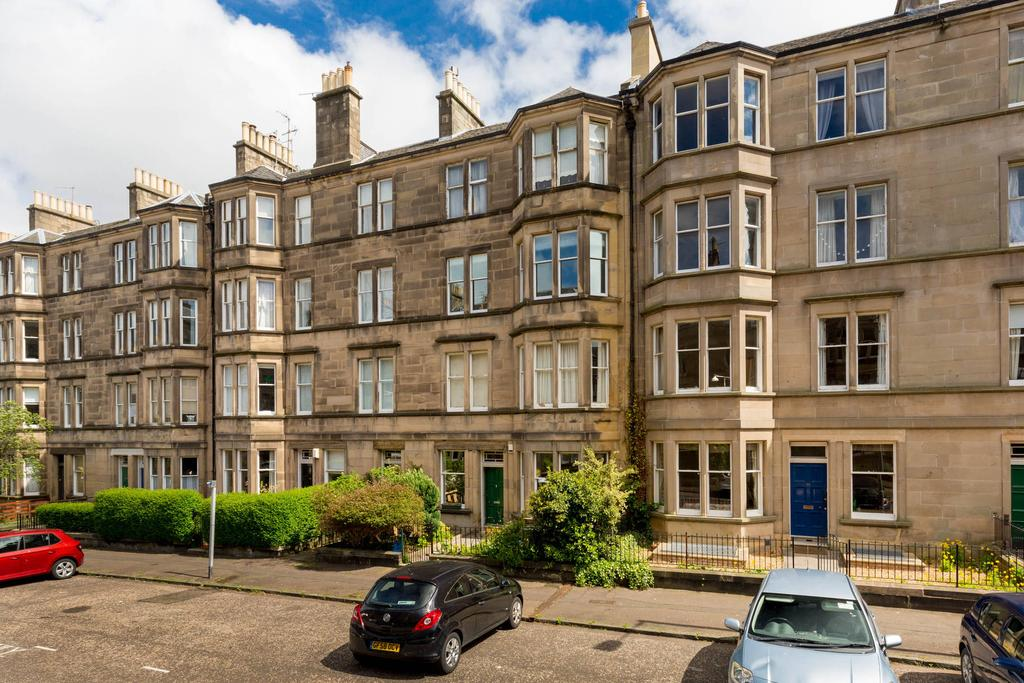 3 Bedrooms Flat for sale in 55 (2F1) Arden Street, Marchmont, EH9 1BT