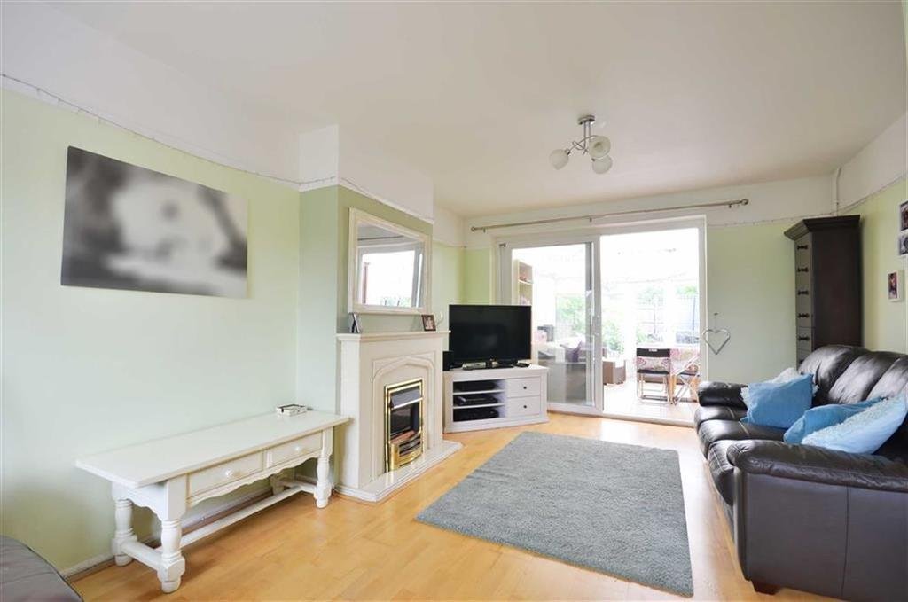 3 Bedrooms Terraced House for sale in The Fairway, Abbots Langley