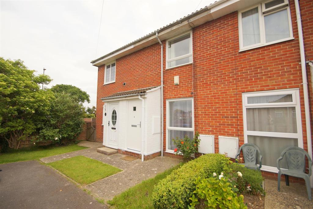 2 Bedrooms Terraced House for sale in Stoneage Close, North Bersted