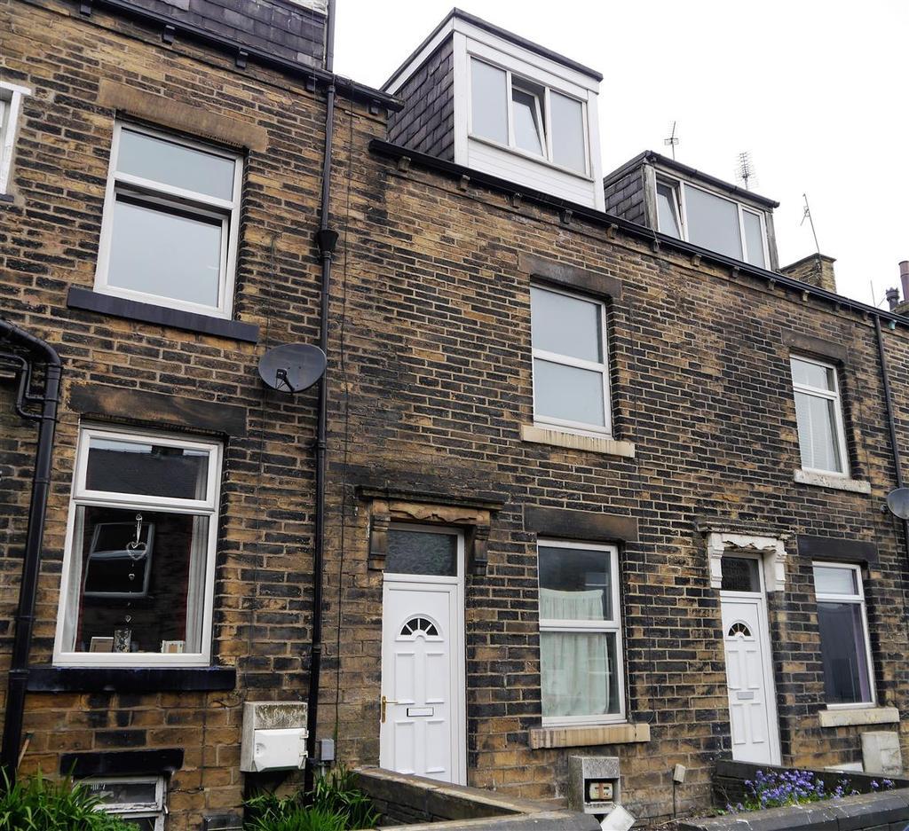 3 Bedrooms Terraced House for sale in Runswick Terrace, Bankfoot, Bradford, BD5 8LR
