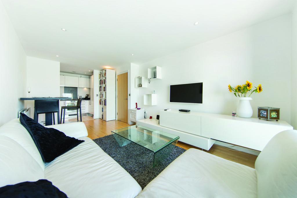 2 Bedrooms Flat for sale in Battersea Park Road, SW8
