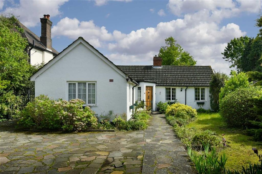3 Bedrooms Detached Bungalow for sale in Fir Tree Road, Banstead, Surrey