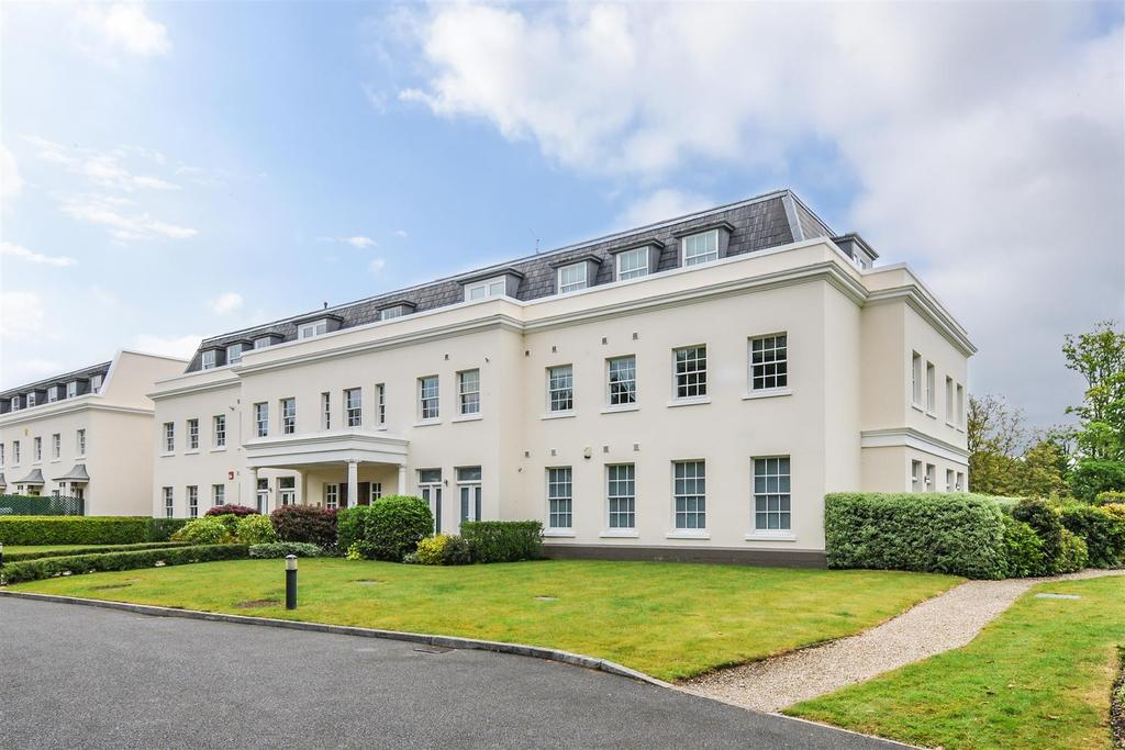 3 Bedrooms Apartment Flat for sale in Tortington, Arundel