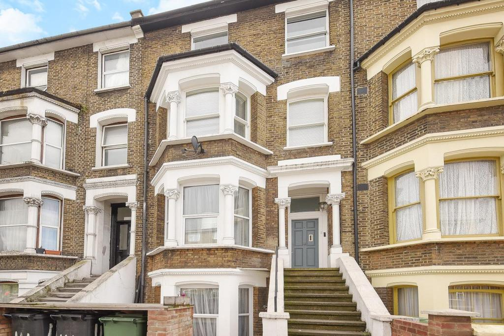3 Bedrooms Flat for sale in Stockwell Road, Stockwell, SW9