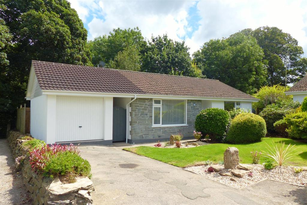 2 Bedrooms Detached Bungalow for sale in Bishops Close, Truro