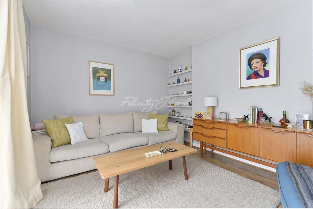 3 Bedrooms Flat for sale in Manor Road, N16