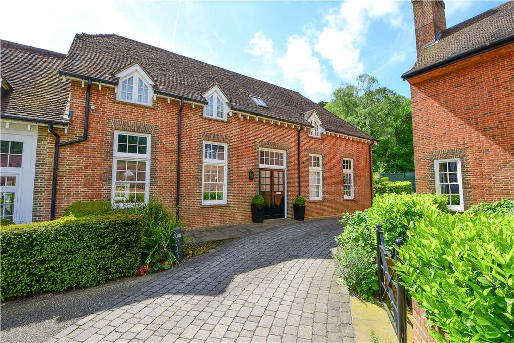 2 Bedrooms Terraced House for sale in Coach House Mews, Whiteley Village, Hersham, Walton-on-Thames, KT12