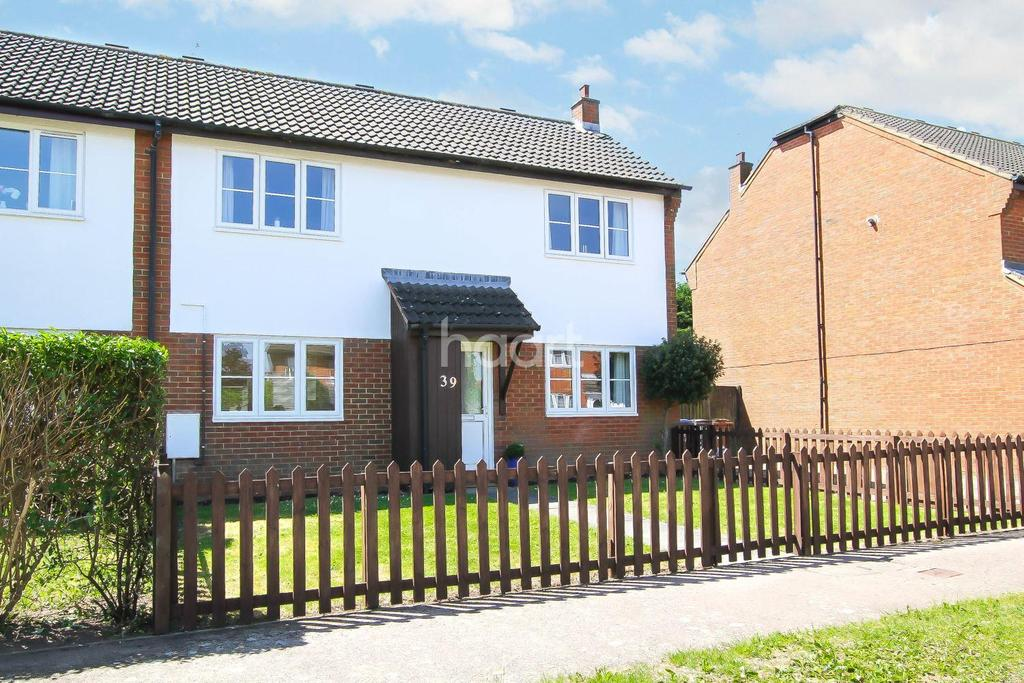 3 Bedrooms Semi Detached House for sale in Lincoln Close