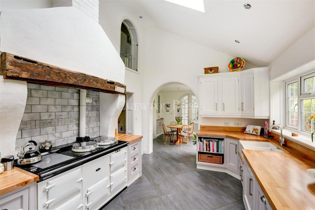 5 Bedrooms Detached House for sale in Bulmer
