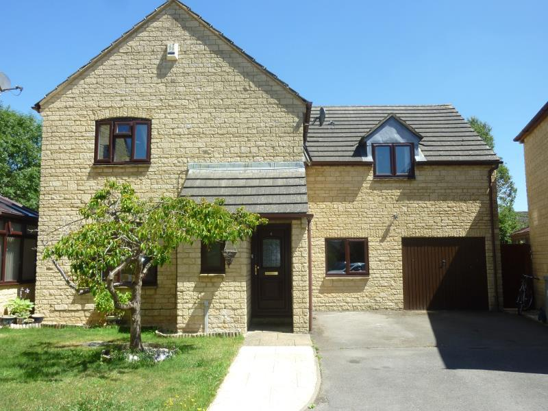 4 Bedrooms Detached House for sale in Lime Tree Close, Carterton, Oxon