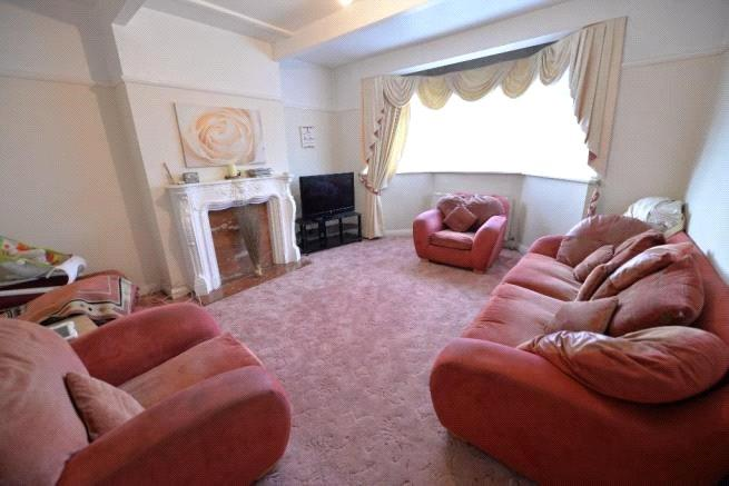 3 Bedrooms Terraced House for sale in Green Lane, London, SW16
