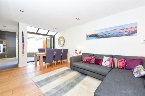 3 bedroom terraced house to rent - Otterden Terrace, 10 Lynton Road, Bermondsey, SE1