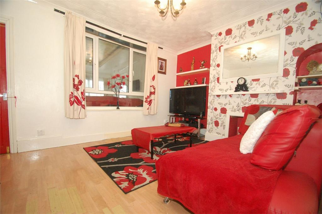4 Bedrooms Terraced House for sale in Cornwallis Avenue, Gillingham, Kent