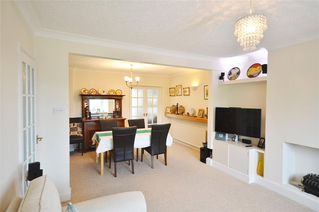 4 Bedrooms Semi Detached House for sale in Garston Crescent, Garston, Hertfordshire, WD25