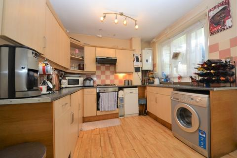 3 bedroom flat for sale - Cherry Close, Tulse Hill, London SW2