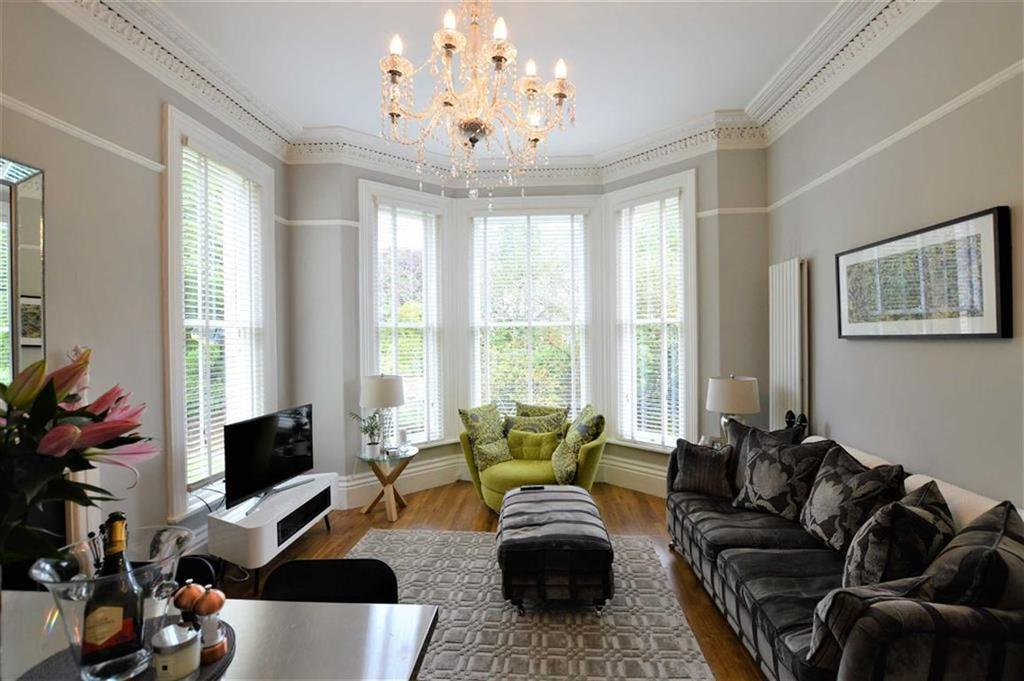 2 Bedrooms Apartment Flat for sale in Heald Lawn, Bowdon, Cheshire, WA14