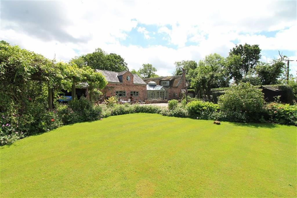 3 Bedrooms Detached House for sale in Newton Hall Lane, KNUTSFORD, Mobberley