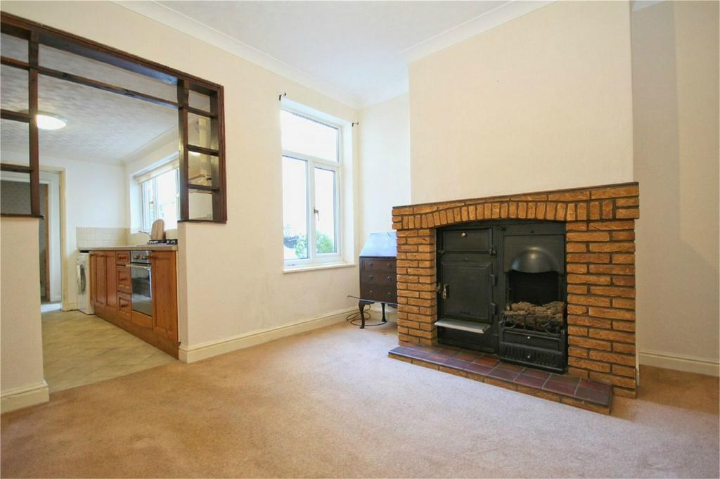 2 Bedrooms Terraced House for sale in Victoria Avenue, Willerby, Hull, East Riding of Yorkshire