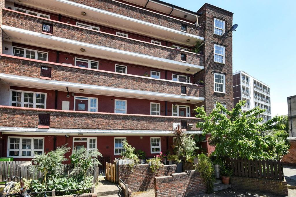 2 Bedrooms Flat for sale in Newburn Street, Kennington, SE11