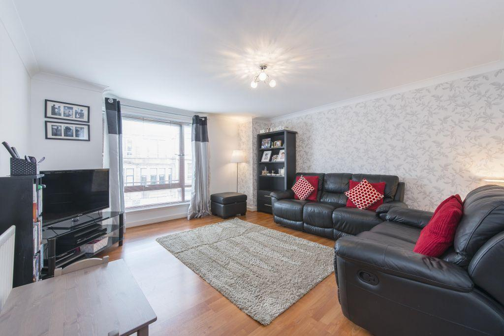 2 Bedrooms Flat for sale in Flat 5, 97 Stonelaw Road, Rutherglen, Glasgow, G73 3EE