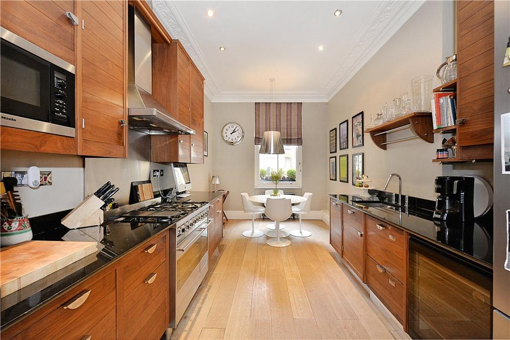 3 Bedrooms Maisonette Flat for sale in Westgate Terrace, Chelsea, London, SW10