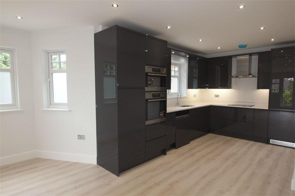 2 Bedrooms Flat for sale in Oaklands Road, Bromley