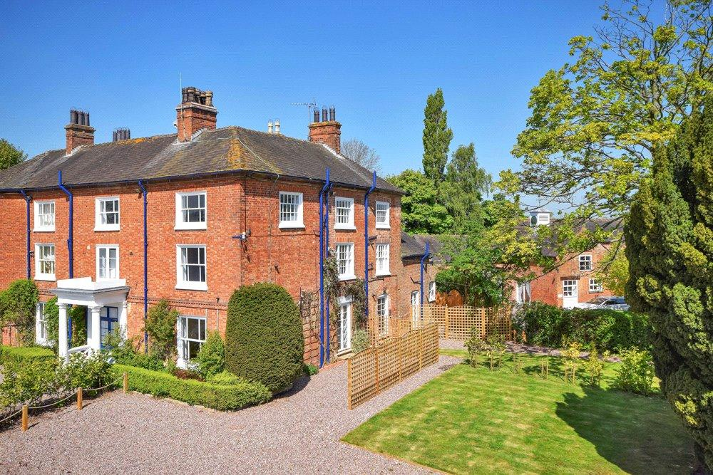 2 Bedrooms Flat for sale in Lea Hall-Wrekin View, Tunstall Lane, Bishops Offley