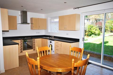 3 bedroom semi-detached house to rent - Oakshade Road Bromley BR1