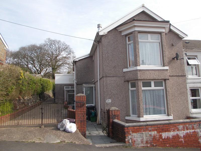 3 Bedrooms Semi Detached House for sale in 79 Alltygrug Road, Ystalyfera, Swansea.
