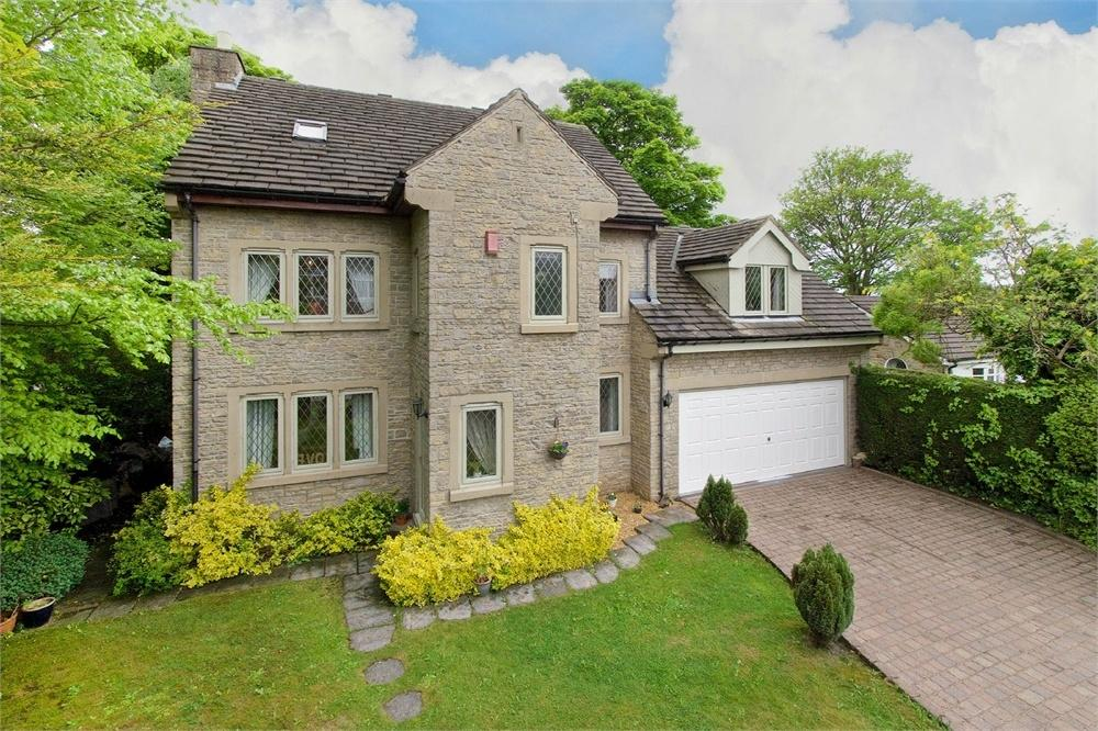 6 Bedrooms Detached House for sale in Moorlands Road, Birkenshaw, West Yorkshire