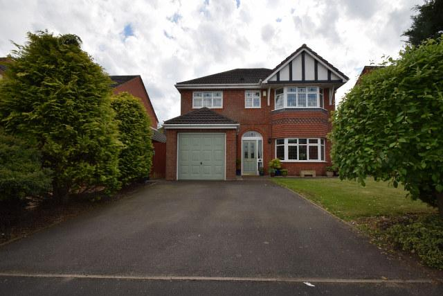 4 Bedrooms Detached House for sale in Besom Way,Cheslyn Hay,Staffordshire