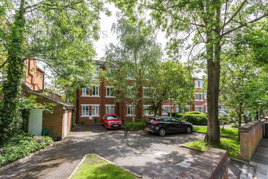 1 Bedroom Flat for sale in 7, Bampton Court, Blakesley Avenue, Ealing, W5