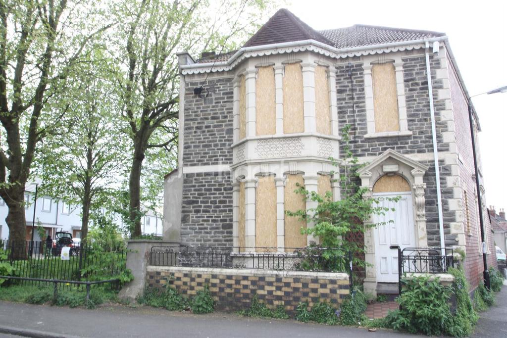 4 Bedrooms Detached House for sale in Bristol