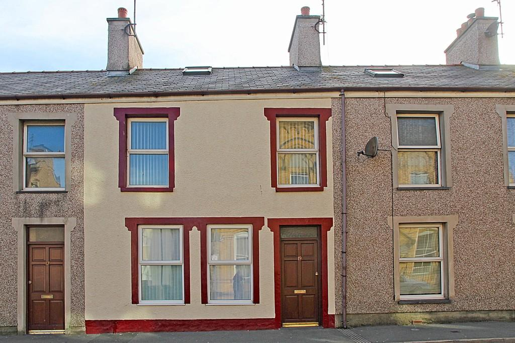 3 Bedrooms Terraced House for sale in Newry Street, Holyhead, North Wales