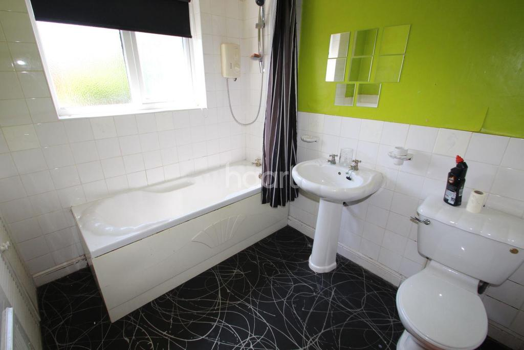 3 Bedrooms Semi Detached House for sale in Edwin street, Daybrook, Nottingham.