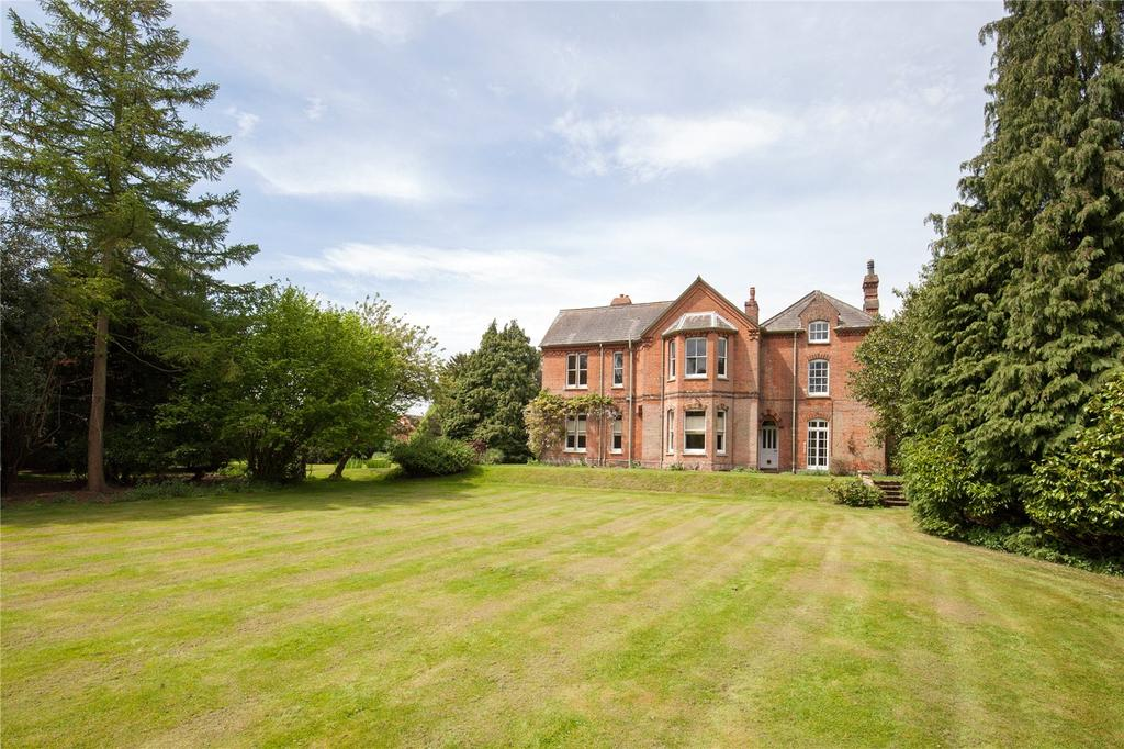 8 Bedrooms Detached House for sale in Church Street, Reepham, Norfolk, NR10