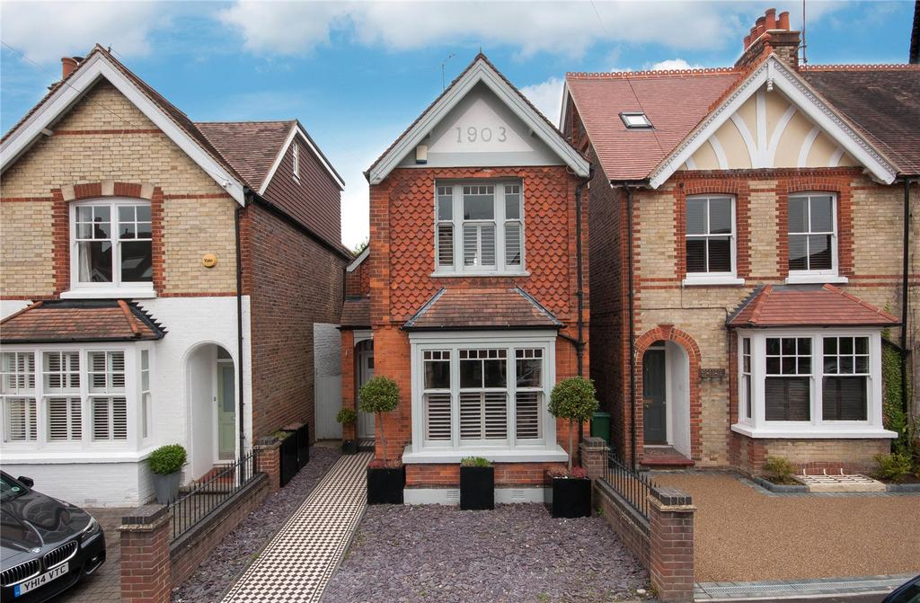 4 Bedrooms Detached House for sale in Deerings Road, Reigate, Surrey, RH2