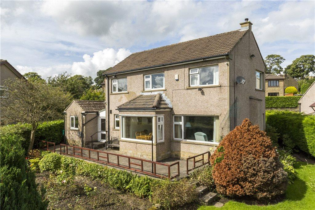 4 Bedrooms Detached House for sale in Crossfield Road, Oxenhope, Keighley, West Yorkshire