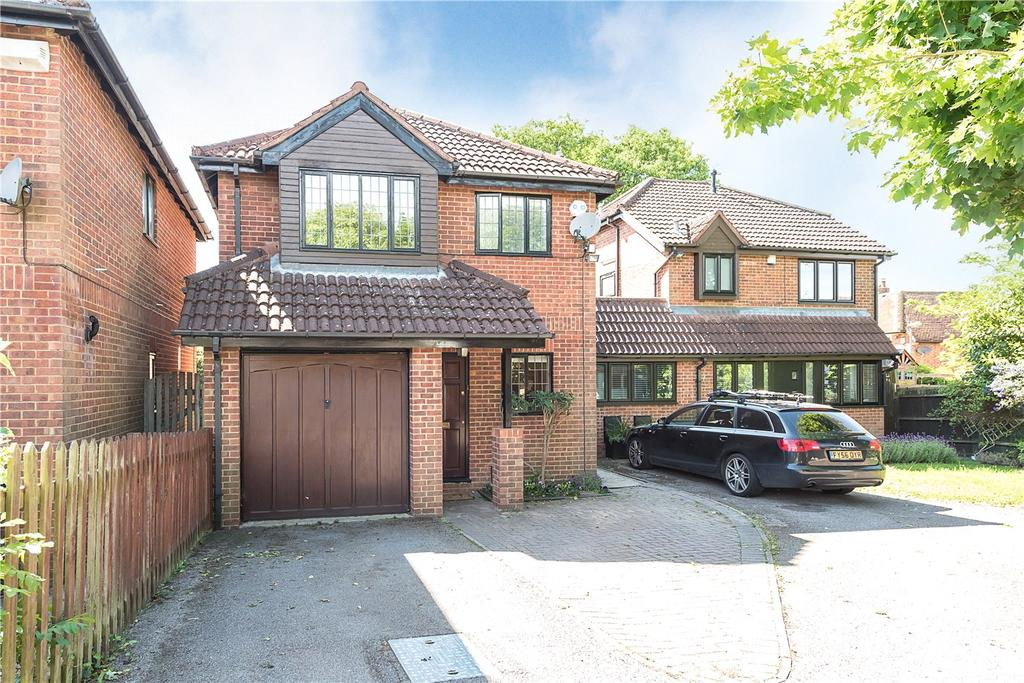 3 Bedrooms Detached House for sale in Bell Close, Beaconsfield, HP9