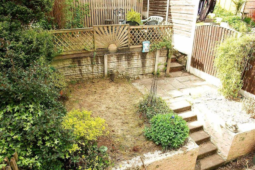 3 harewood drive royton 3 bed townhouse for sale 139 950 for Harewood house garden design