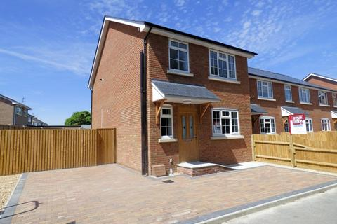 3 bedroom detached house for sale - Creekmoor,Poole