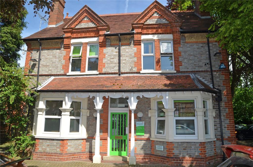 2 Bedrooms Flat Share for rent in Westwood Road, Tilehurst, Reading, Berkshire, RG31
