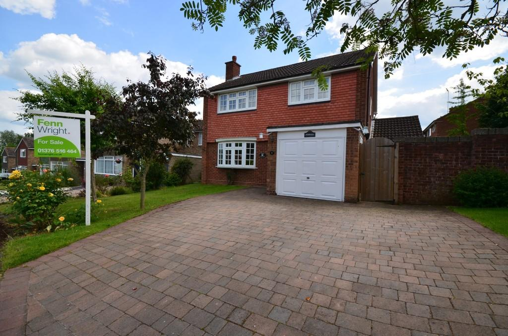 4 Bedrooms Detached House for sale in Tithe Close, Witham