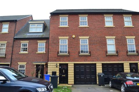 4 bedroom townhouse to rent - Robinson Avenue, Darnall
