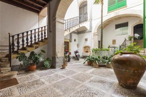 10 bedroom townhouse  - Palatial Townhouse, Palma, Mallorca, Spain
