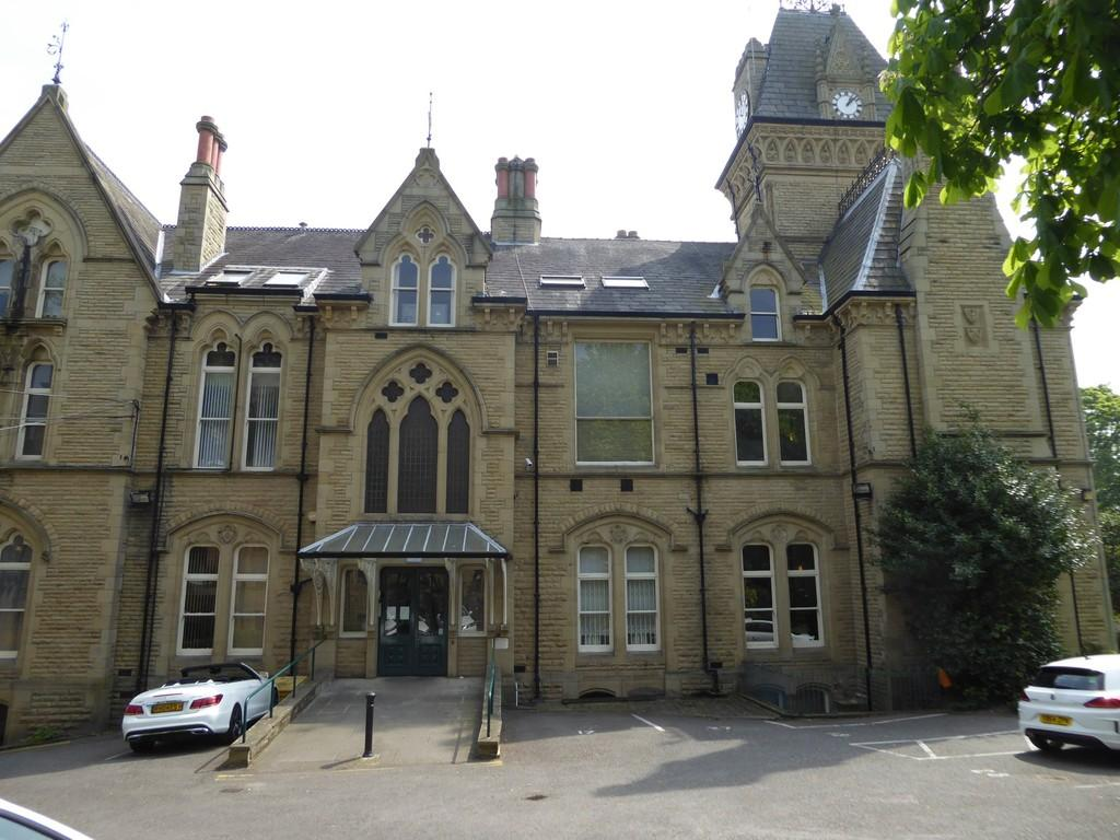 2 Bedrooms Apartment Flat for sale in Halifax Road, Dewsbury