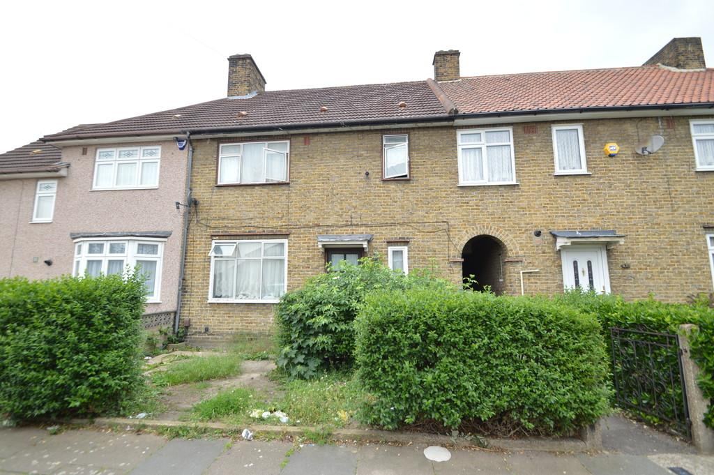 3 Bedrooms Terraced House for sale in Campden Crescent, Dagenham